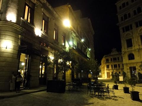 night_in_habana_vieja2