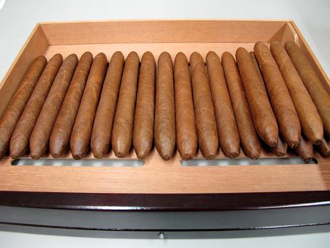 hamlet_cigar_salomones1