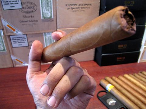 robaina_farm_house_cigars_la_bestia3